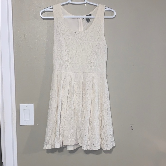 Forever 21 Dresses & Skirts - Lace ivory dress